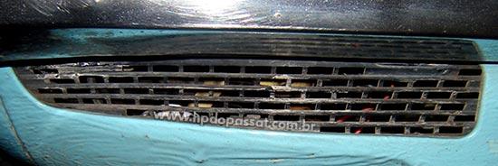 Grade inferior do painel dianteiro do Passat